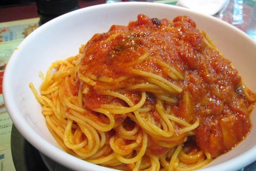 カプリチョーザ / やっぱりトマトとニンニクのスパゲティはうまい