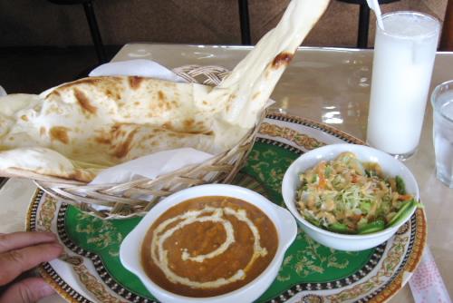 買い物ついでにネパール料理はいかが / ハーブ&スパイス
