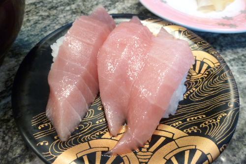 海鮮に囲まれ興奮する / 那珂湊おさかな市場