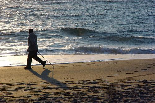 勝浦:浜辺で遊ぶ