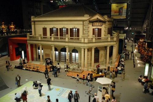 江戸東京博物館:博物館を5階と6階に作る意味はなかった