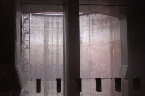 調圧水槽に隣接する第1立坑