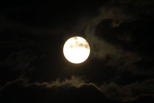 松代で見た満月