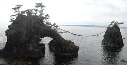 この岩を見てストーリーを考えなさい