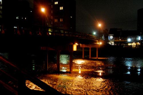 浅野川にかかる梅の橋