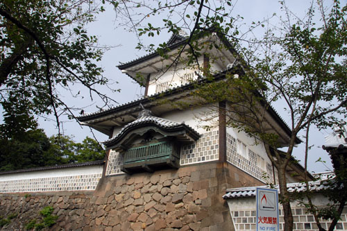 1788年(天明8年)に再建された石川門