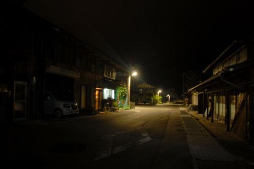 通りも静まりかえっている