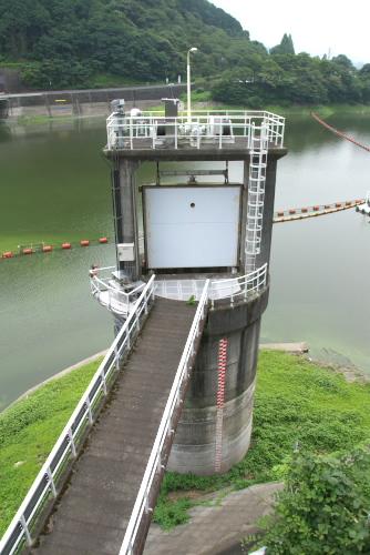 発電所の取水ゲート