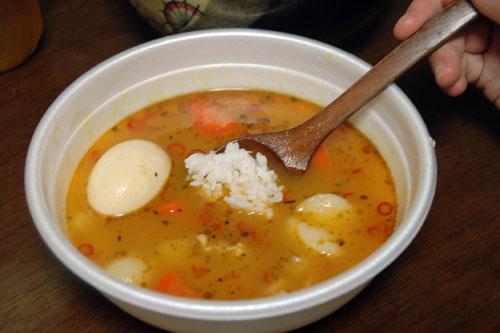 カップで食べるスープカレーの匠