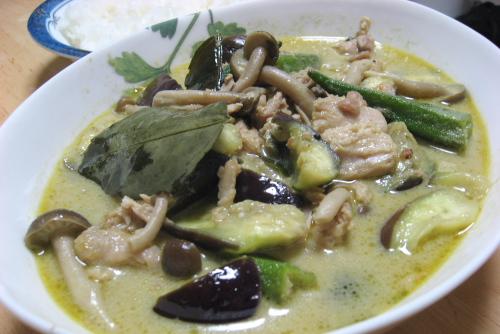 家で食べるグリーンカレー / [ヤマモリ] タイ手作りセットグリーンカレー