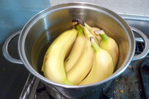 バナナを煮てみた