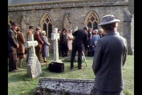 Miss Marple / A Murder Is Announced