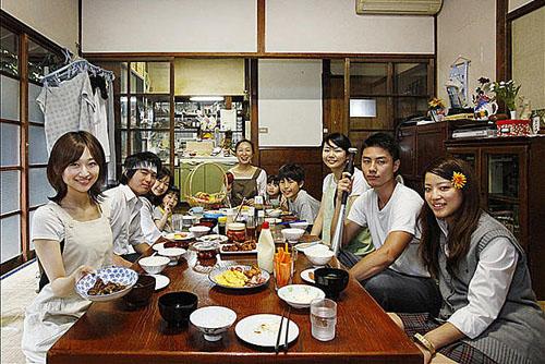 Housoukinshi The Movie: Saiko! The Large family