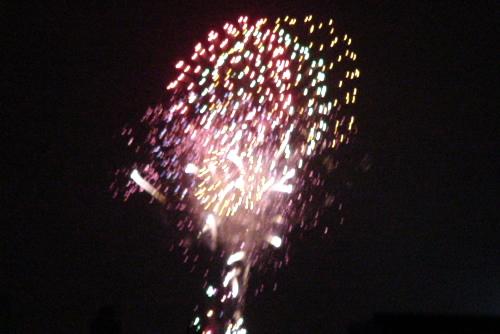 第23回隅田川花火大会 / アパートの階段から見る花火