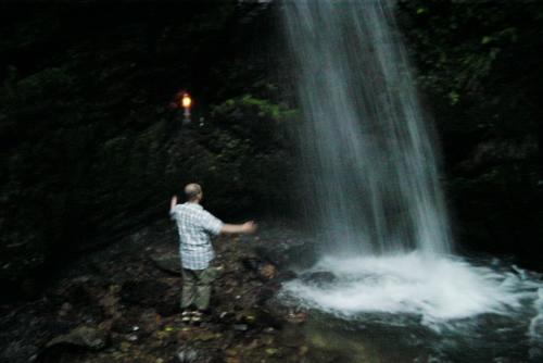 雨の日の黒山三滝