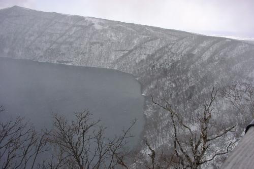 雪の摩周湖