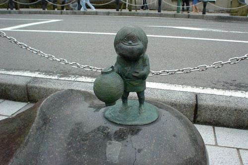 水木しげるロード / ユーモアたっぷりの銅像妖怪たち