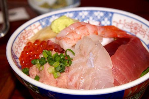 銚子港 / 秋刀魚を食べて、買うために
