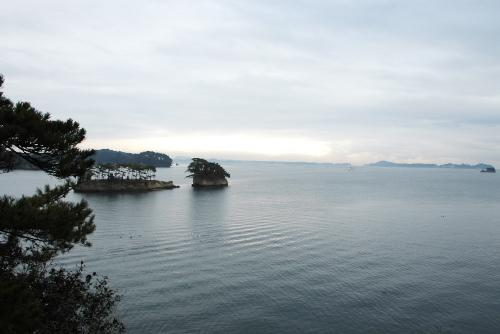 曇り空のもとで松島めぐり