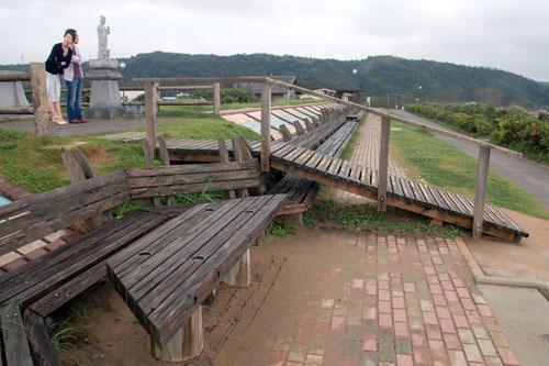 増穂浦海岸 / 世界一長いベンチ