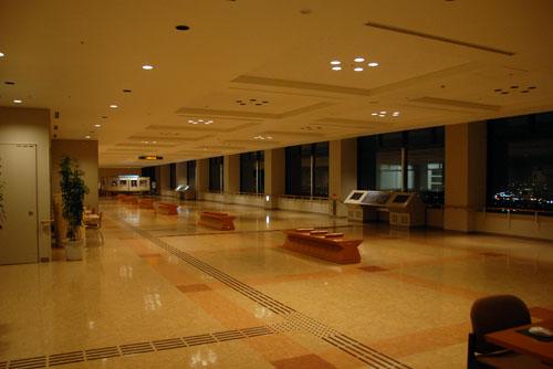 石川県庁の夜景 / 高さは十分なのだが