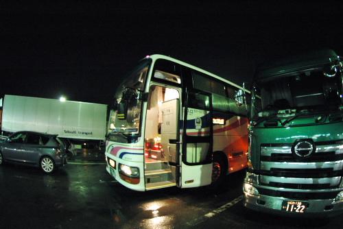 スーパーニュードリーム号 / 夜行バスで大阪へ
