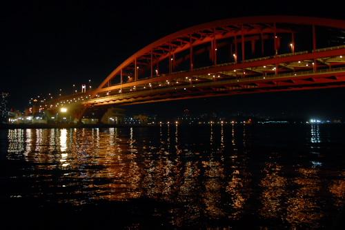 ポートアイランド / 海からながめる神戸の街