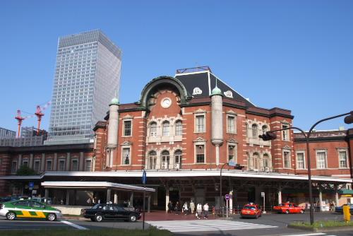 東京駅から新丸ビル地下へ