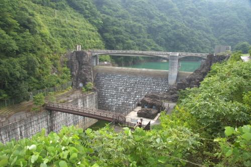 石小屋ダム / 古式ゆかしい副ダム
