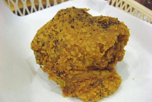 KFC 粗挽き黒胡椒チキンと海老チリツイスター / ごはんのおかずになるチキン