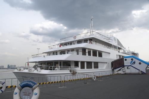 シンフォニー・クルーズの船上結婚式
