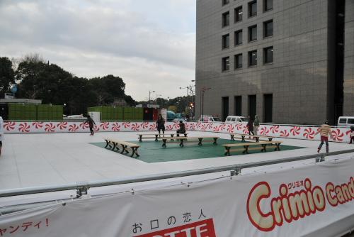 日比谷パティオ Crimio Candy Rink / 氷を使わないスケートリンク