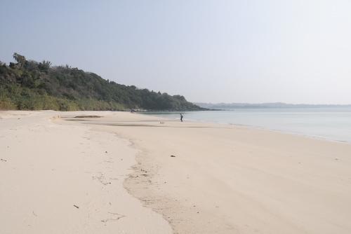 香珠子海水浴場 / 透き通った海と白浜
