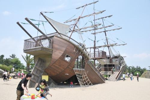 広野海岸公園 / 難破船に興奮する