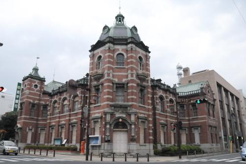 岩手県公会堂と岩手銀行旧本店本館