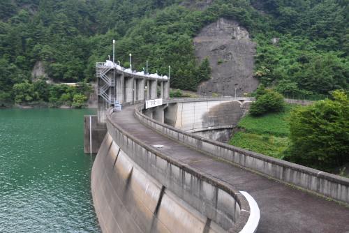稲核(いねこき)ダム / 国道から見るだけ