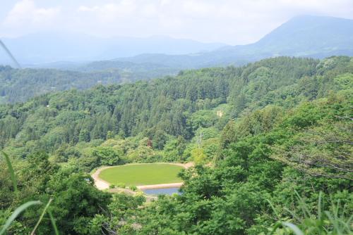 夏の吉川出張(1/3) 国田城址から棚田を見る